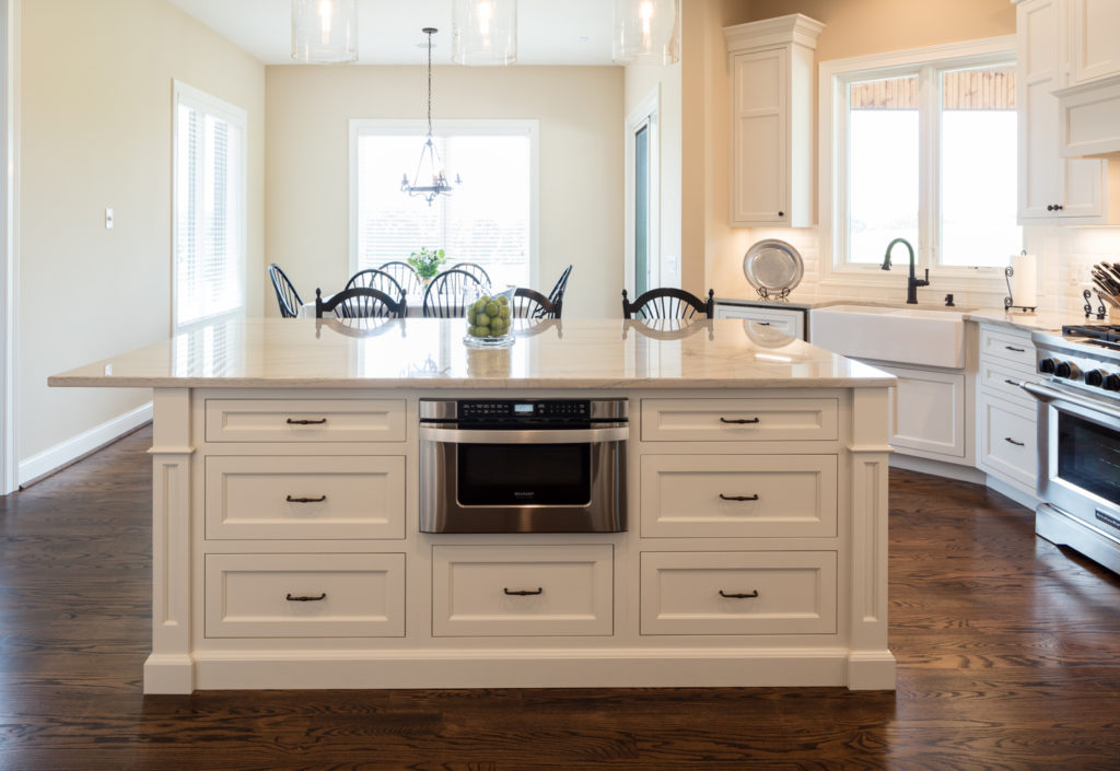 Decorator White Inset Cabinets (Neyer)