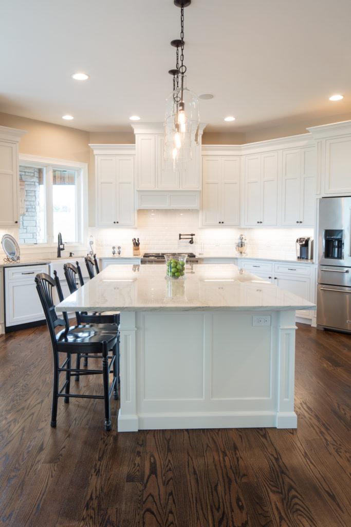 Decorator White Inset Cabinets (Neyer)