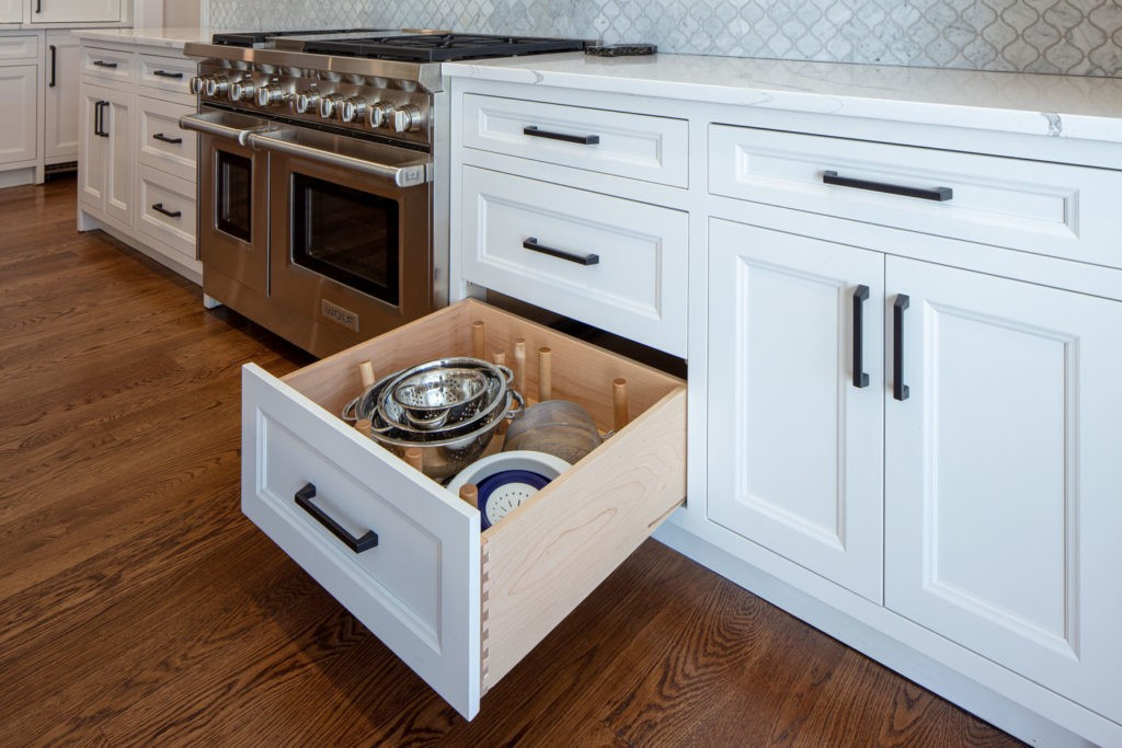 White Inset Cabinets with Knotty White Oak Island
